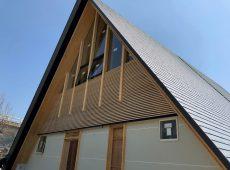 【最高強度であるS120桧CLT使い合掌で設計した建築物 艸建築工房設計】